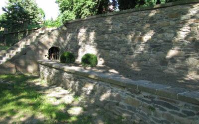 Alte Mauern und Treppen